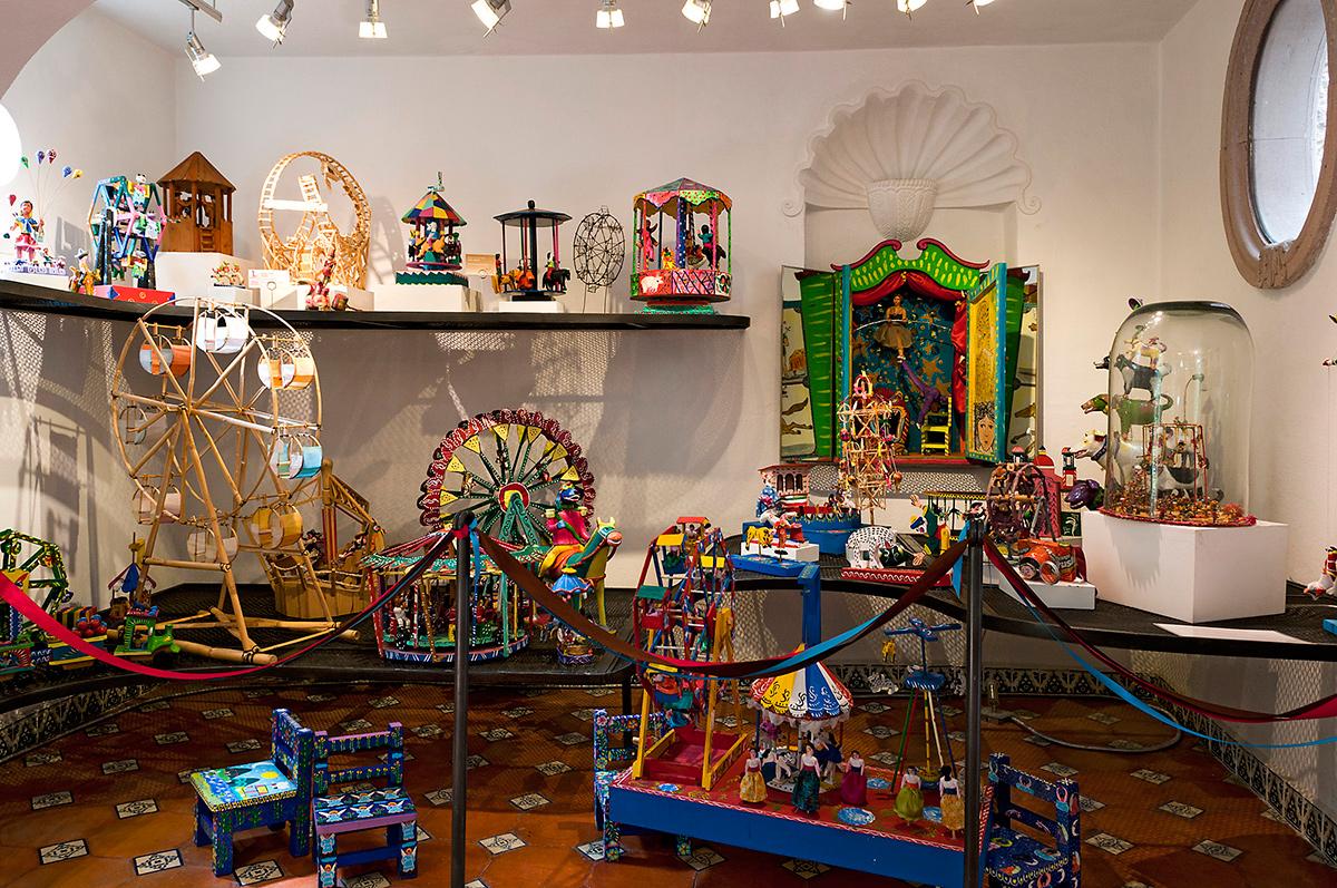 interior del museo del juguete